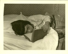 Lila bed reading